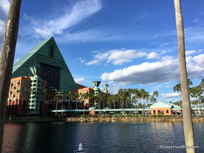 Disney The Cove Hotel