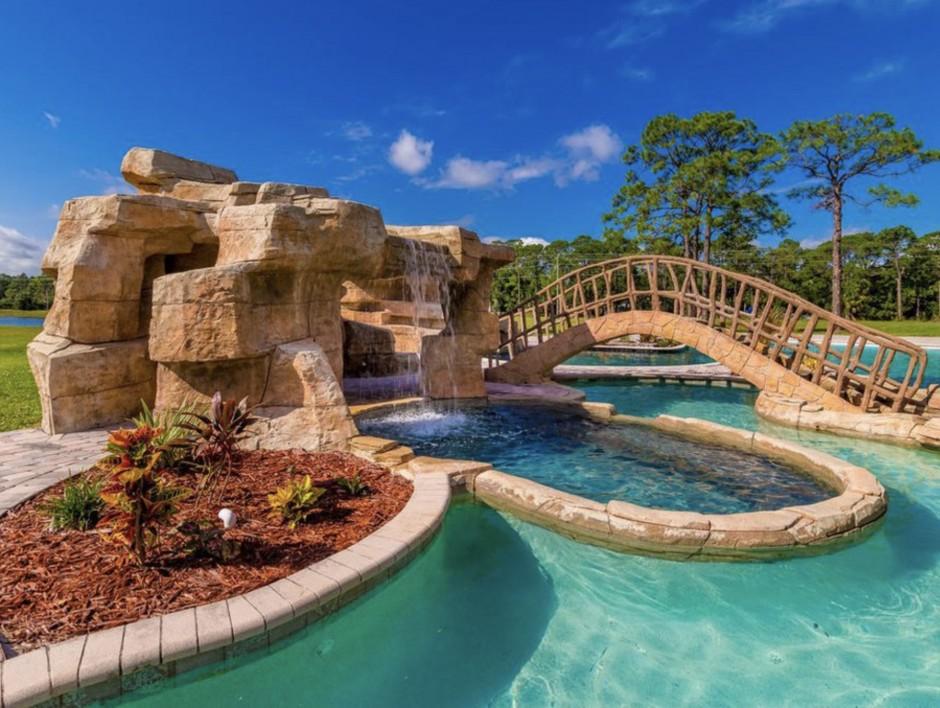 Mickey Mansion 3