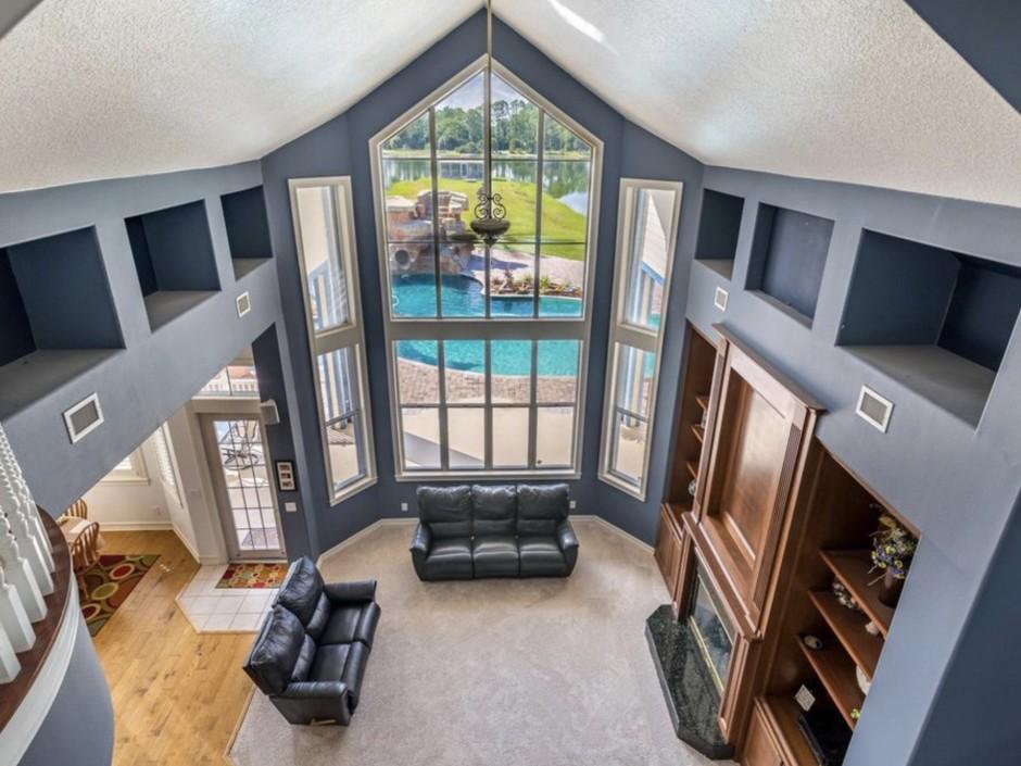 Mickey Mansion Interior 1