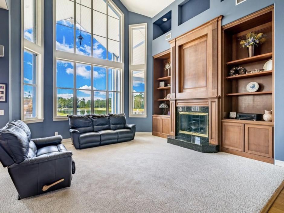 Mickey Mansion Interior 2