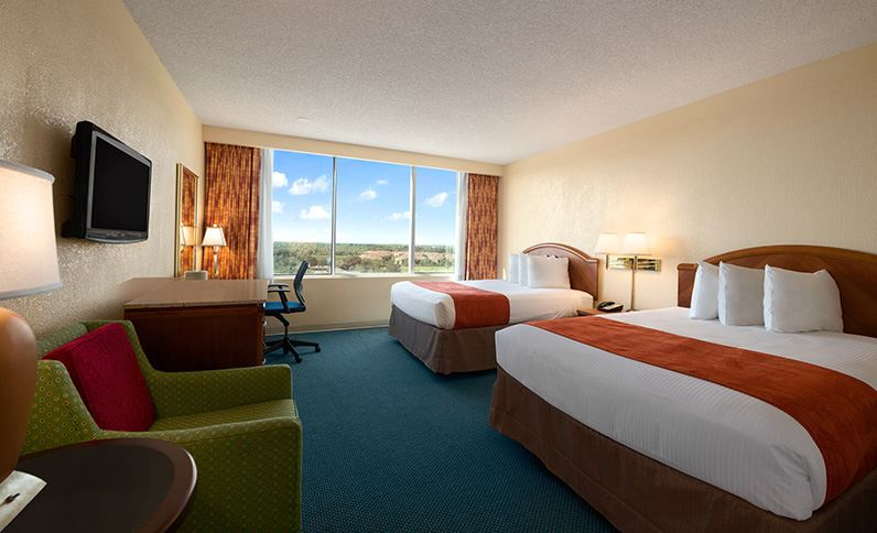 Deluxe-tower-room-in-ramada-kissimmee-gateway-hotel