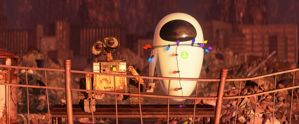 WallE and Eve holding hands