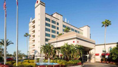 Hotel Ramada Gateway 01